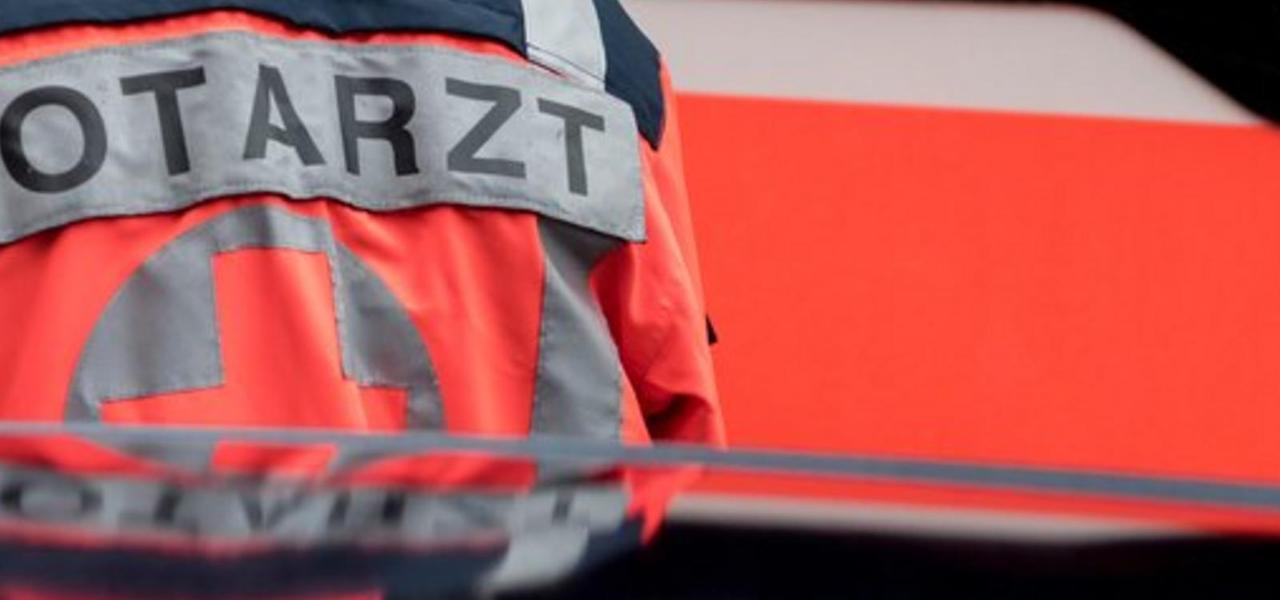 Drei Leichtverletzte bei Hubschrauber-Absturz nahe Schwerin
